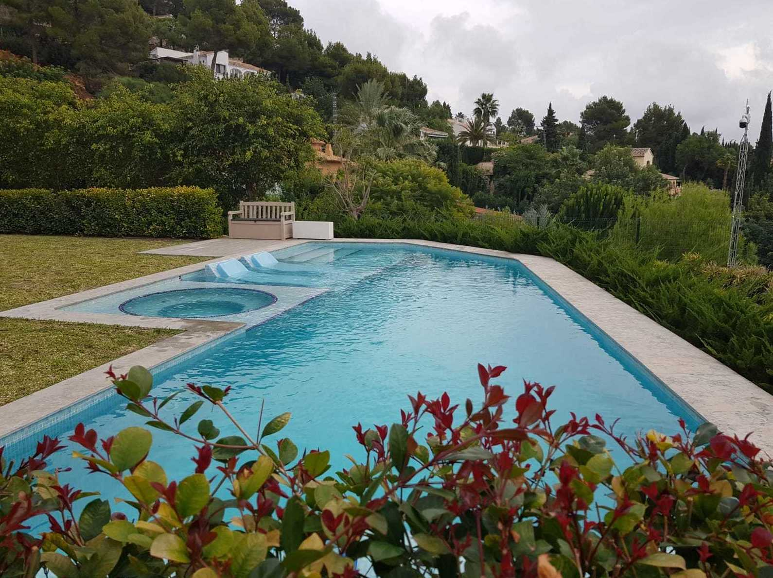 Foto 24 de Instalación de piscinas en    Aiguanet Garden & Pool