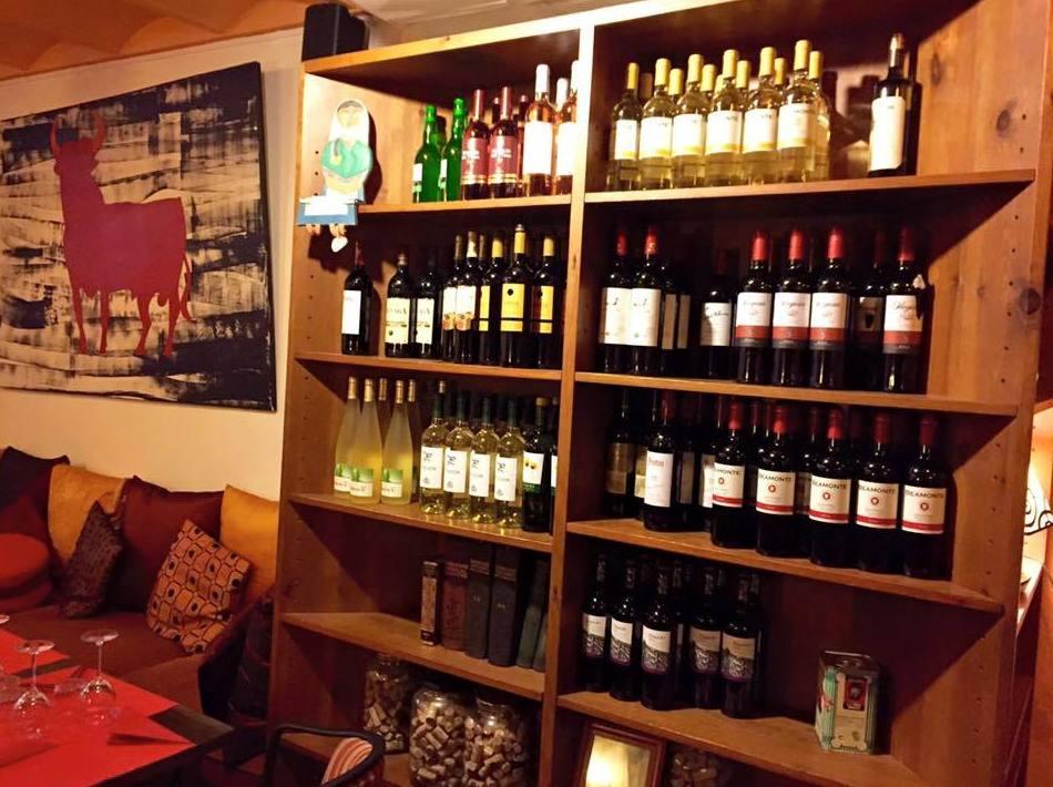 Amplia variedad de vinos en nuestro restaurante