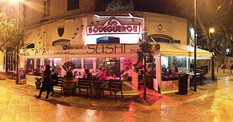 Fachada del restaurante en Ibiza