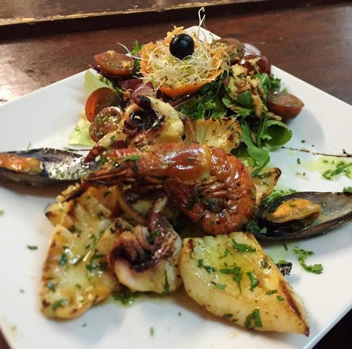 """Comida creativa en el restaurante """"Los Bodegueros Ibiza"""""""