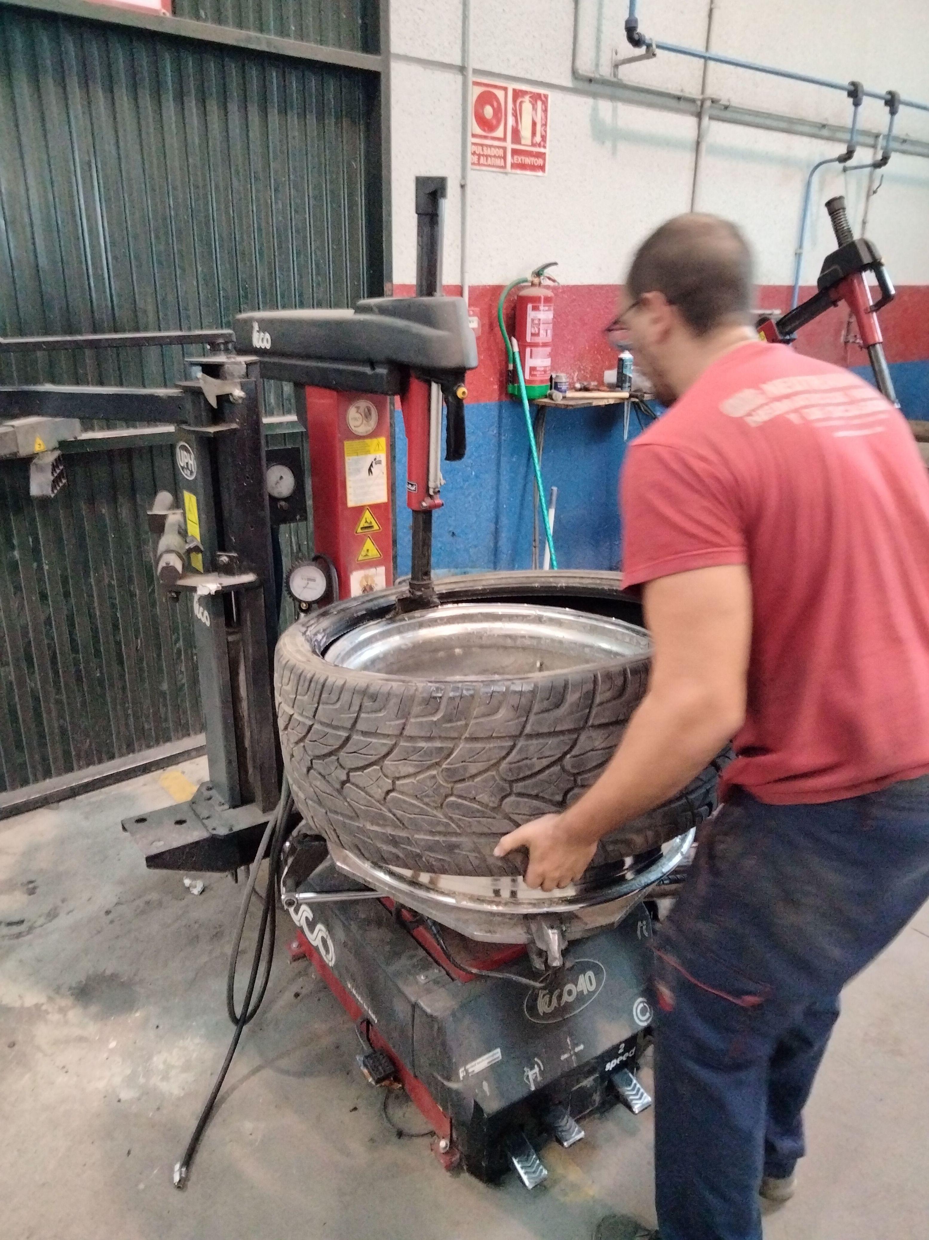 Foto 6 de Maquinaria para taller del automóvil en Valencina de la Concepción   Maquidosa, S.L.