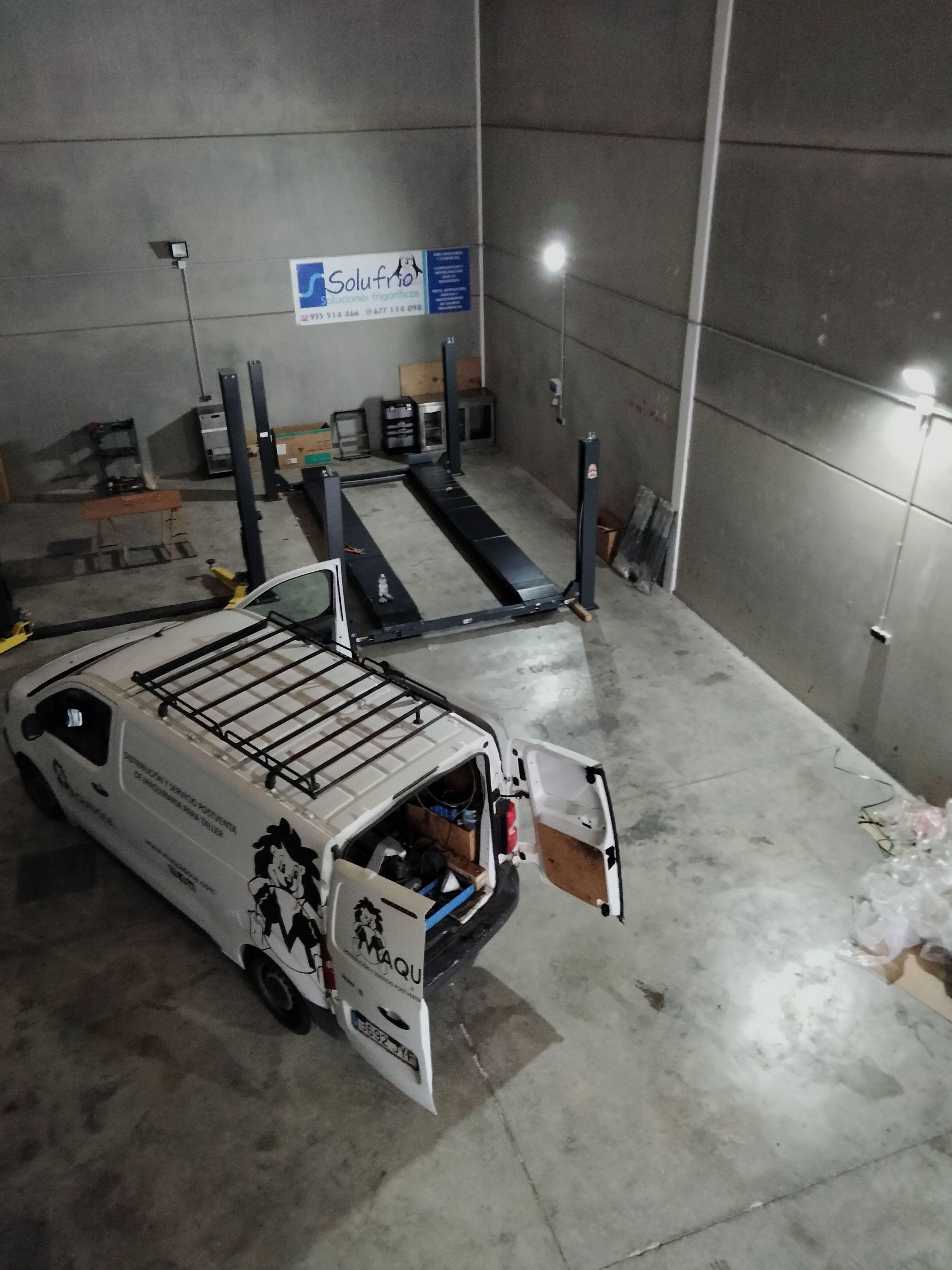 Foto 1 de Maquinaria para taller del automóvil en Valencina de la Concepción   Maquidosa, S.L.