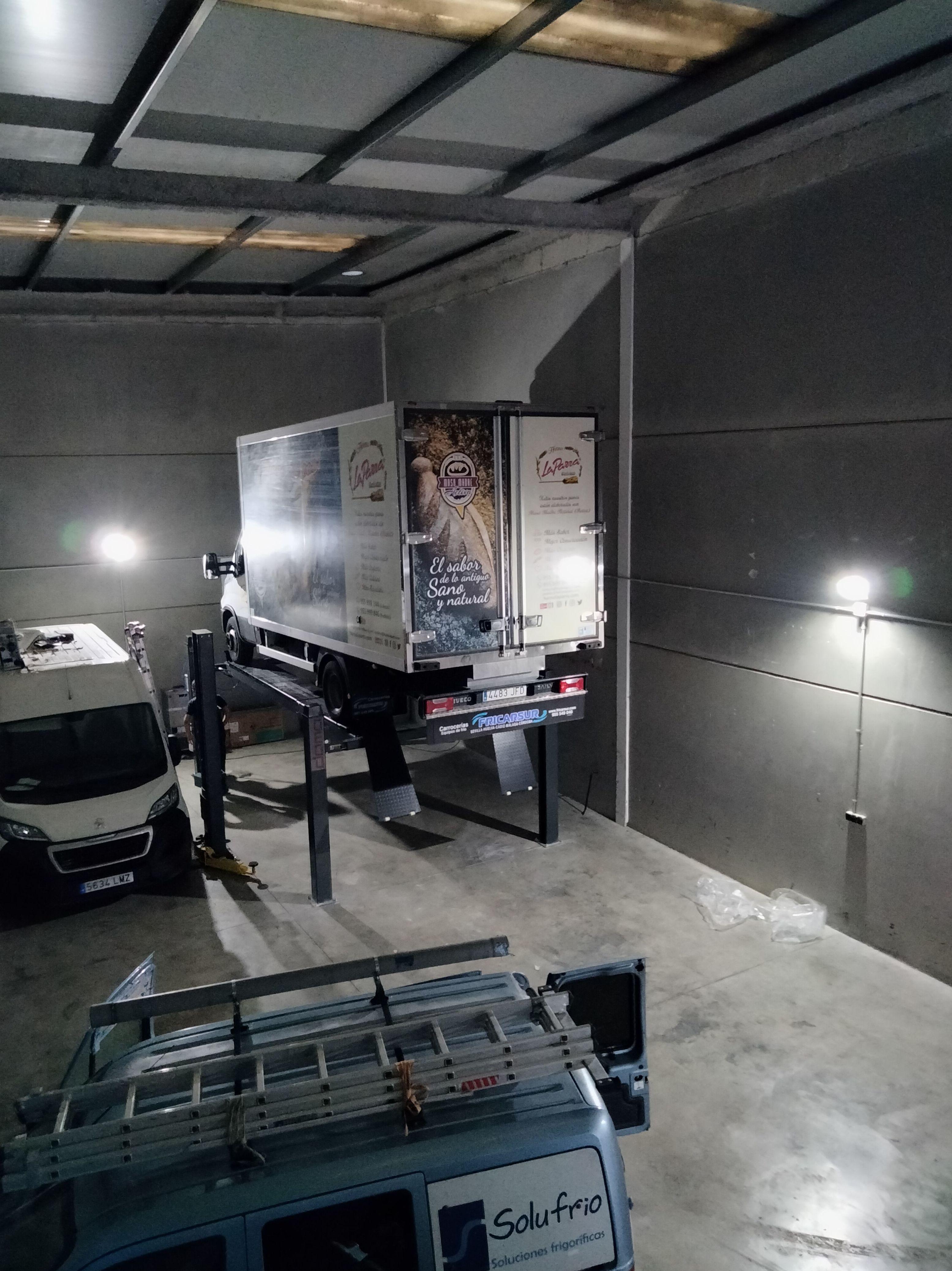 Foto 3 de Maquinaria para taller del automóvil en Valencina de la Concepción   Maquidosa, S.L.