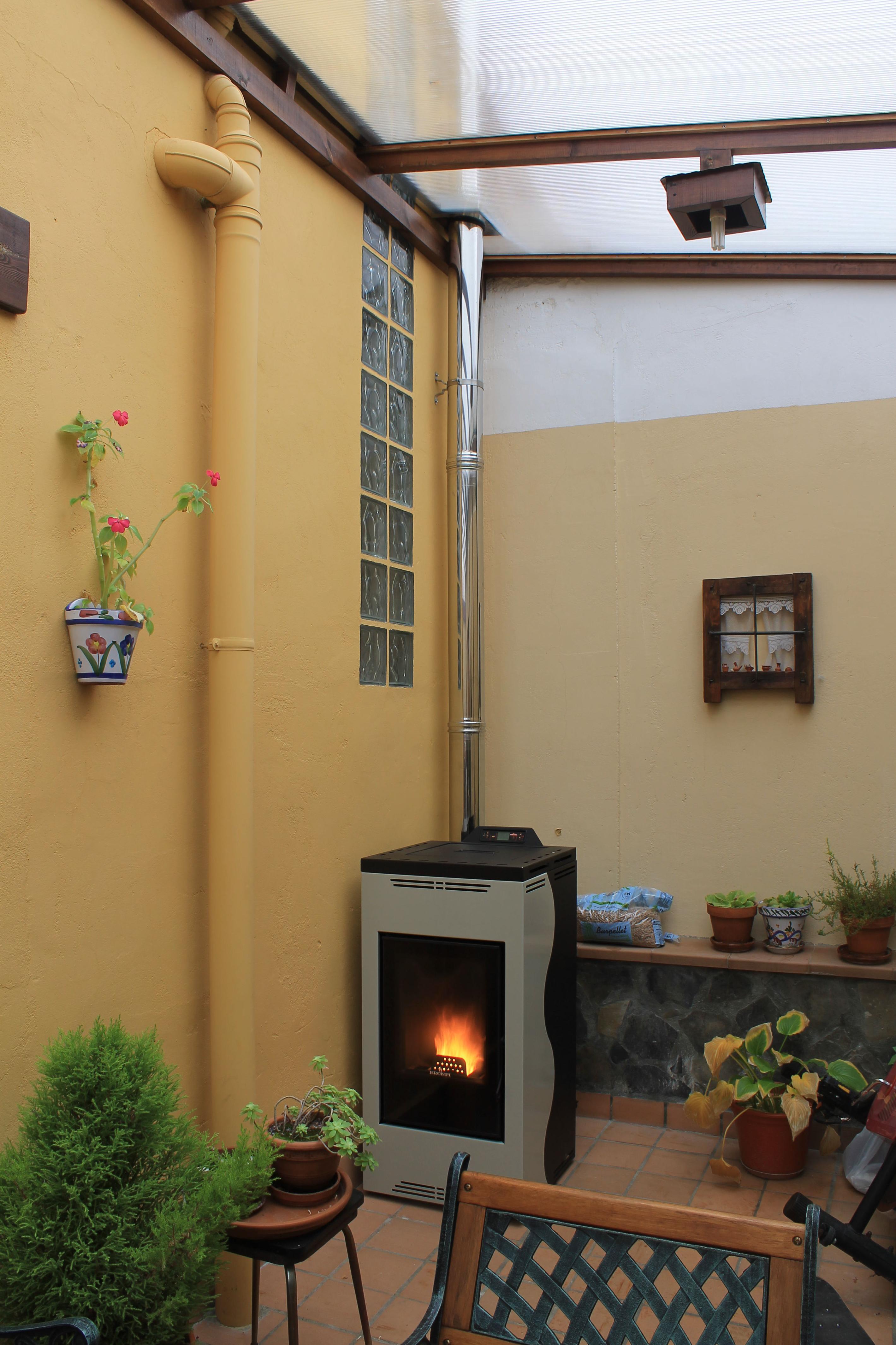Estufa en patio