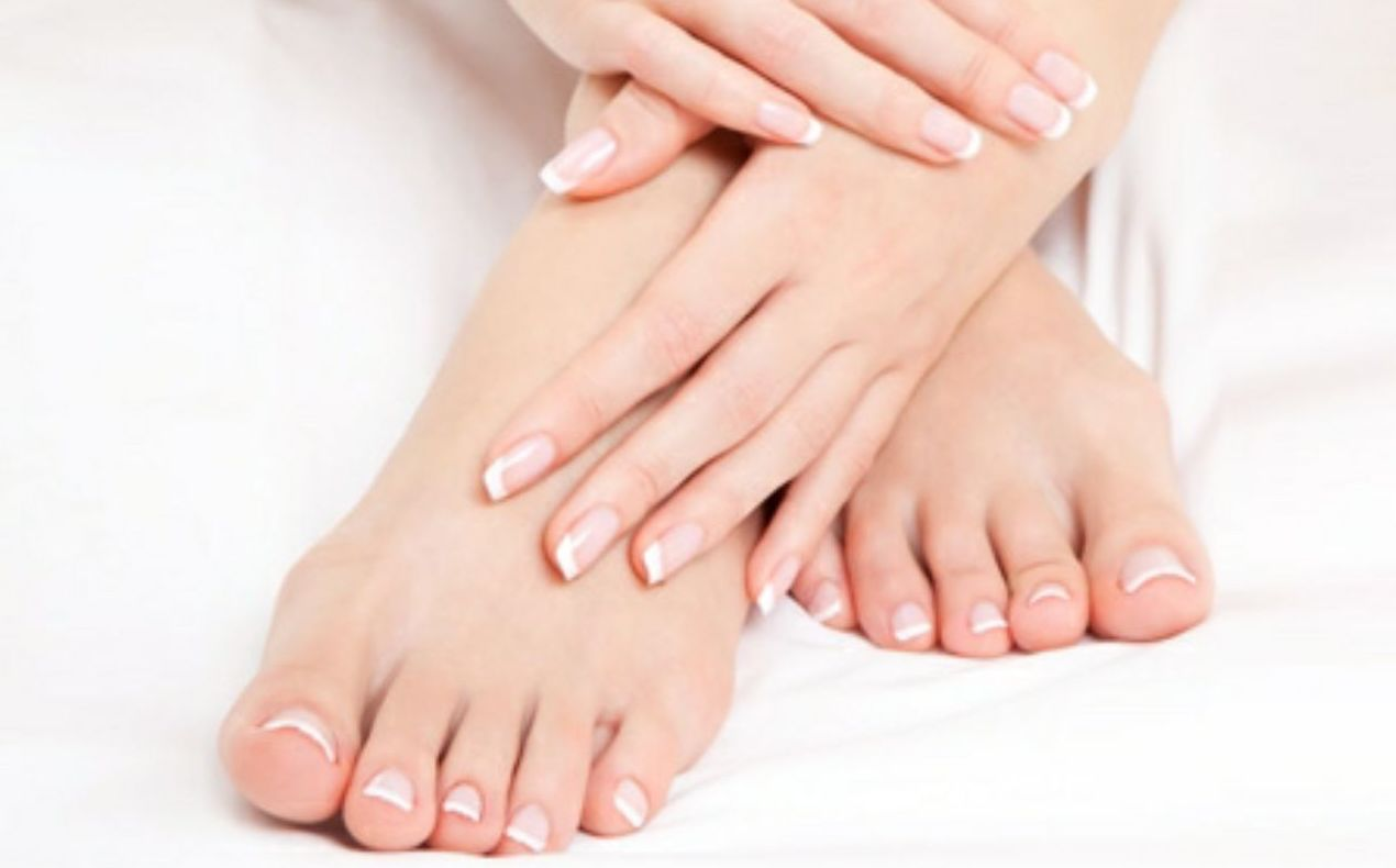 Manicura y pedicura express: Tratamientos y Productos  de Chic Beauty Center