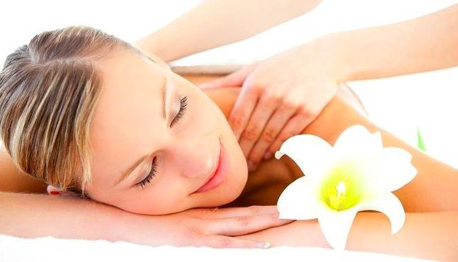 Masaje relajante: Tratamientos y Productos  de Chic Beauty Center