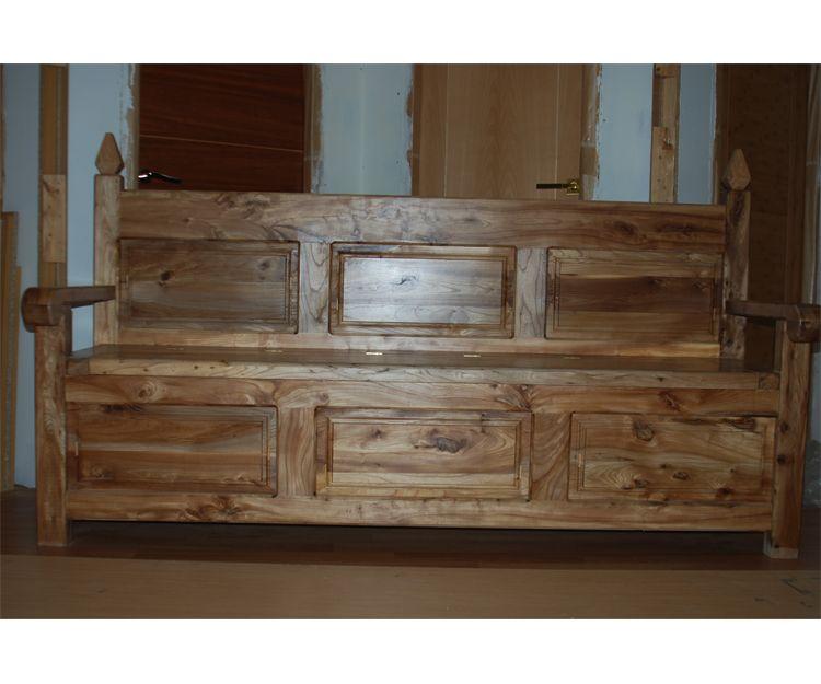 Sofá de madera rústico
