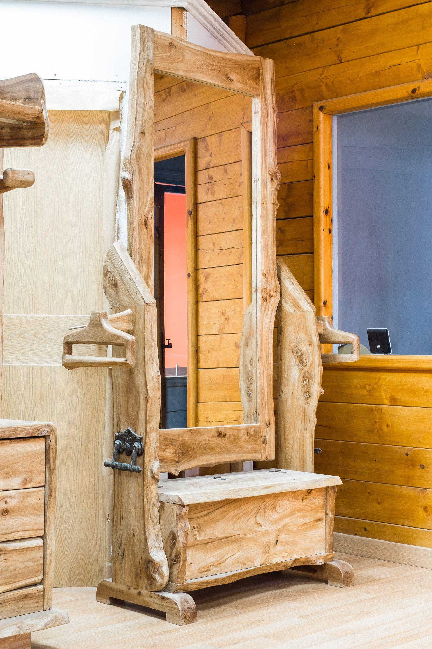 Muebles rústicos de diseño en madera maciza en Sahagún, León