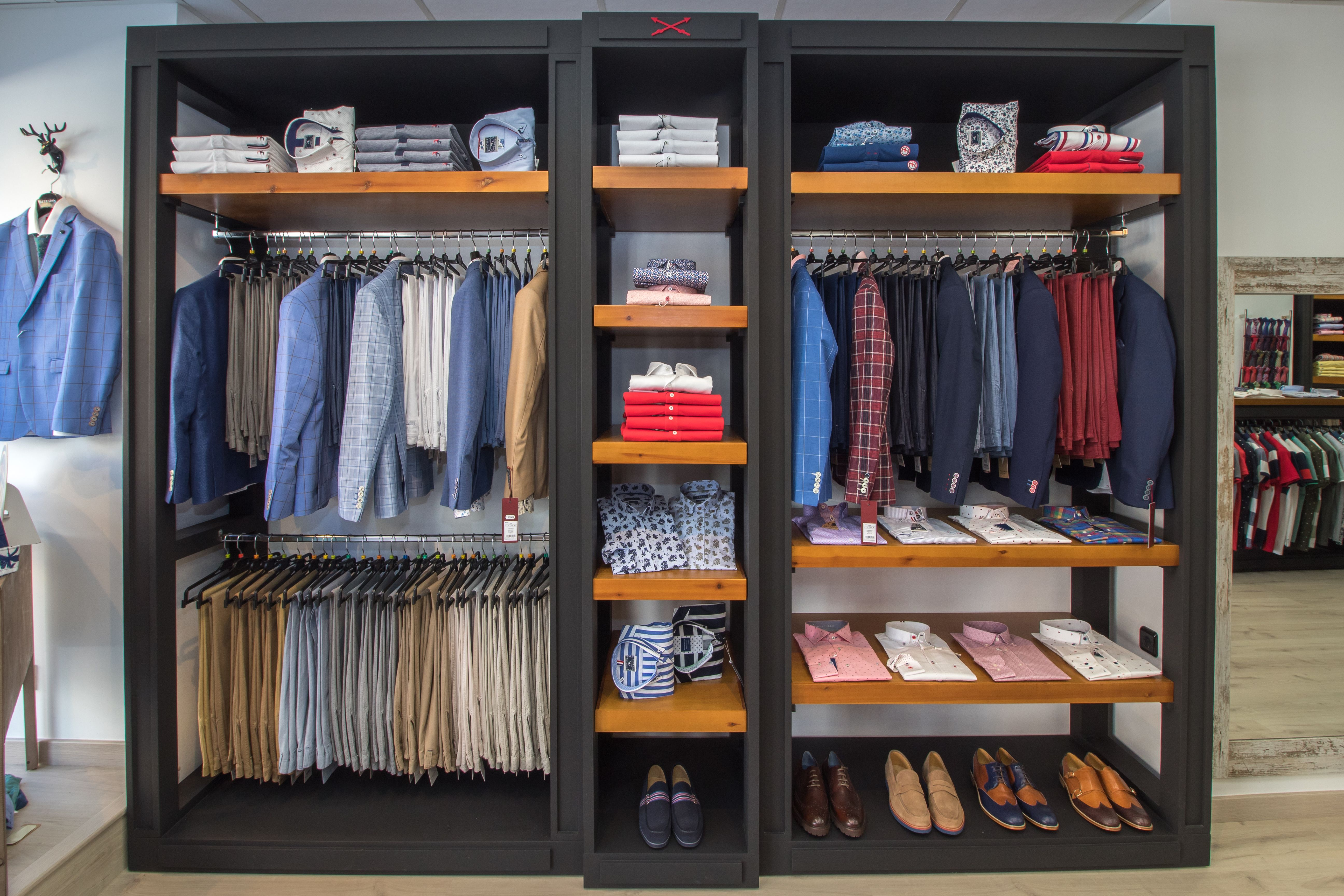 Expositor de ropa de caballero
