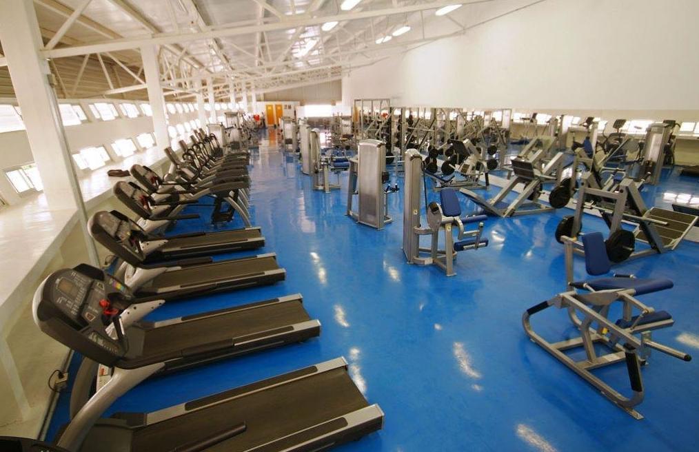 """Pavimento para gimnasios construidos """"in situ"""" o desmontables"""