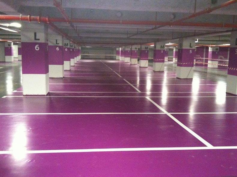 Revestimiento epoxi para garajes y parkings comunitarios, pintado de paredes y techos