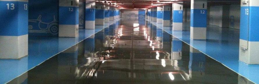 Pavimento garaje-pavimento autonivelante cementoso sellado con resina autonivelante alto acabado