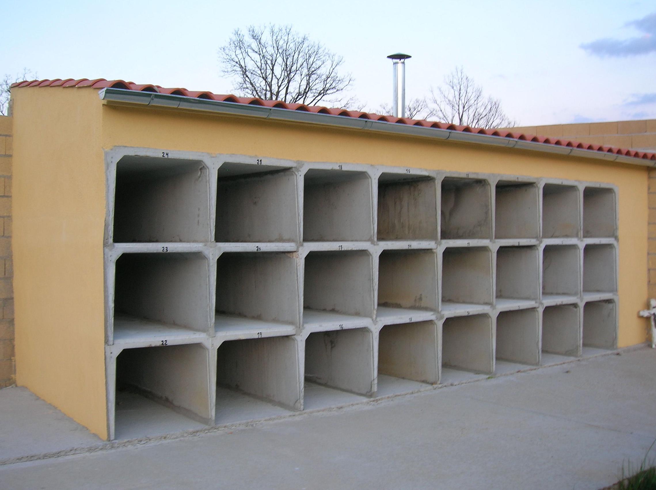 Batería de nichos prefabricados