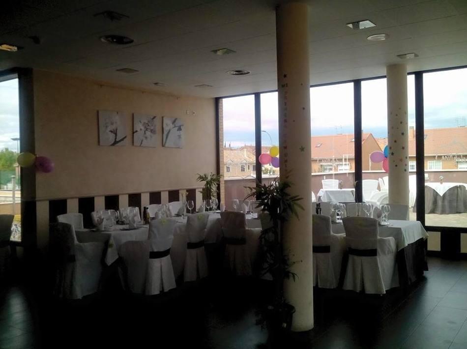 Restaurante situado dentro del Centro Deportivo Armando Rodríguez Vallina
