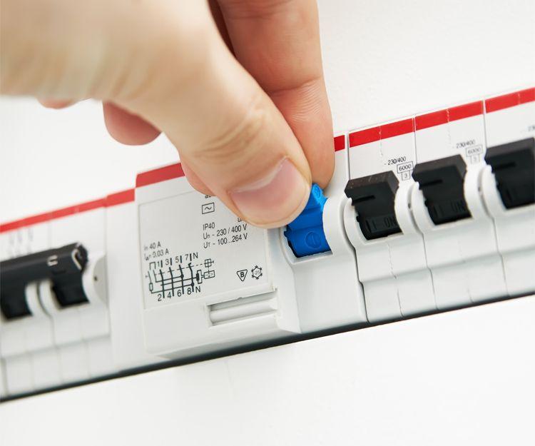Mantenimiento eléctrico a particulares