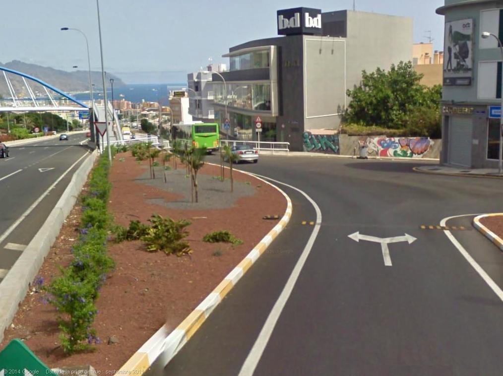Cómo llegar 3: Continúa por la calle Juan Ravina Méndez