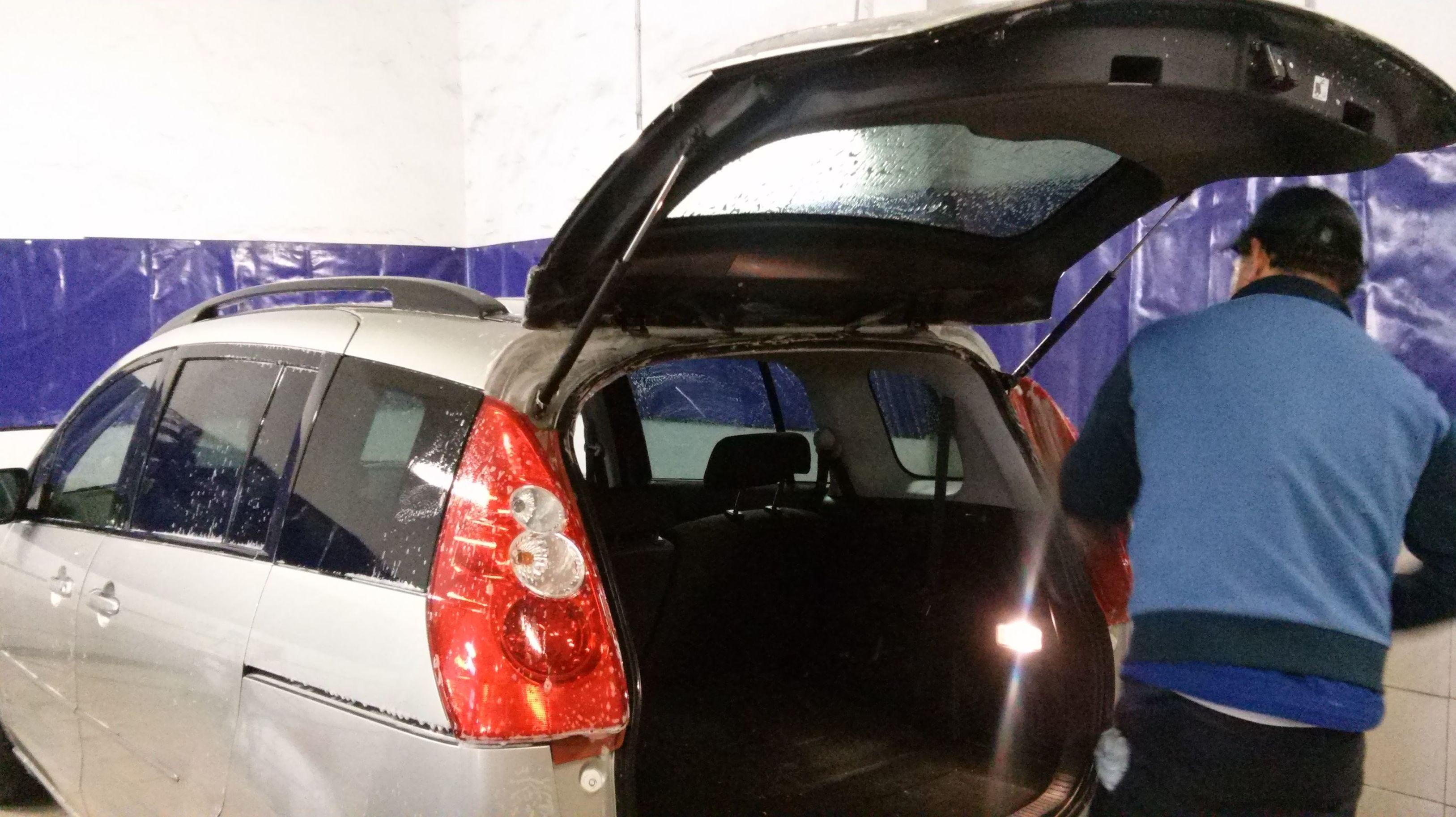 Lavado de coches a mano Vitoria Gasteiz