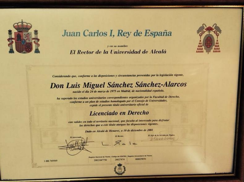 Título de Licenciatura en Derecho