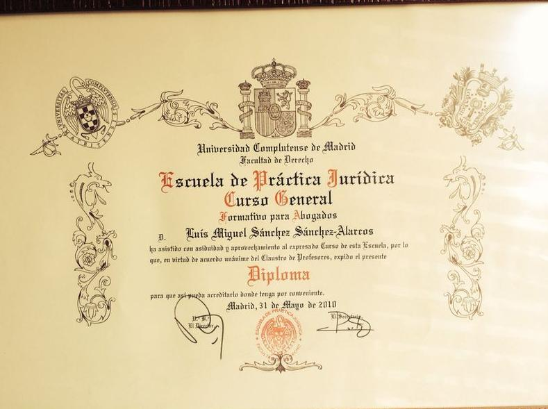 Título de Curso General de Formación Integral para Abogados