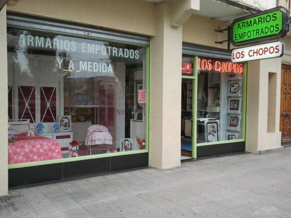 LOS CHOPOS Muebles y Decoracion exposicion Neguri.