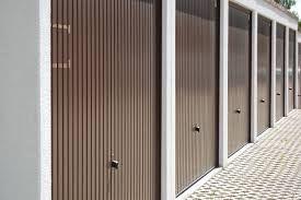 Puertas metálicas: Productos y Servicios de Talleres Etura
