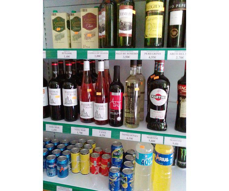 Vinos, licores y refrescos