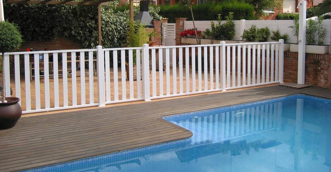 Cerramientos de pvc servicios de cercados sarelan for Cerramientos para piscinas