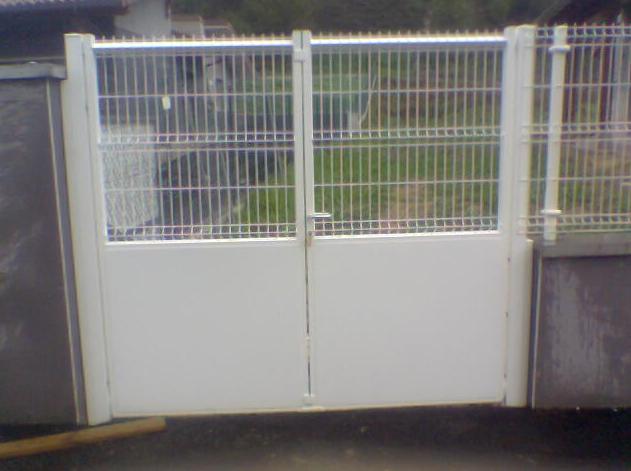 Puertas met licas peatonales servicios de cercados sarelan for Puertas para cercados