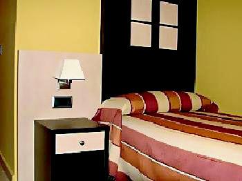 Foto 11 de Hostales en Sant Celoni   L'Hotelet