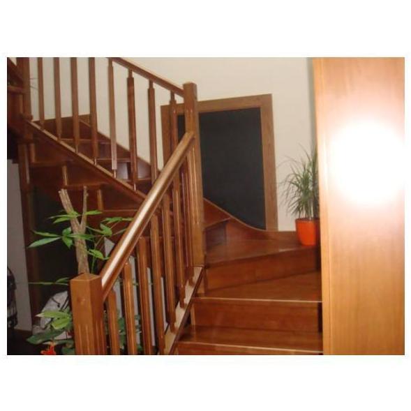 Escaleras: Nuestros productos de Carpintería Albero