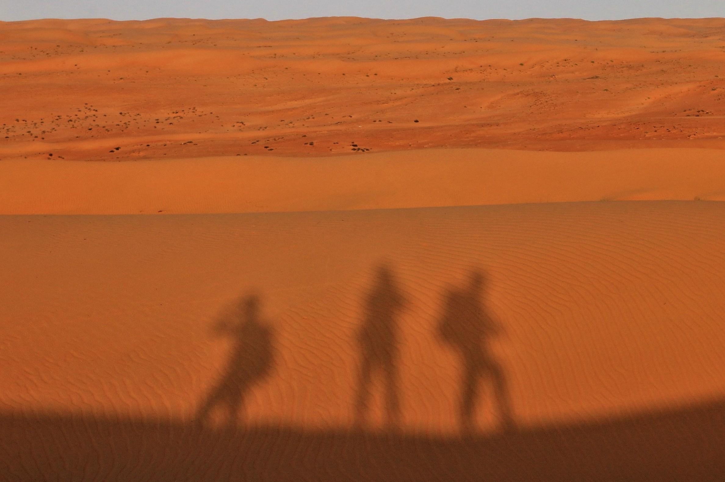 Oman, Wahibas desert           www.exploramunt.com  ©David Casajuana