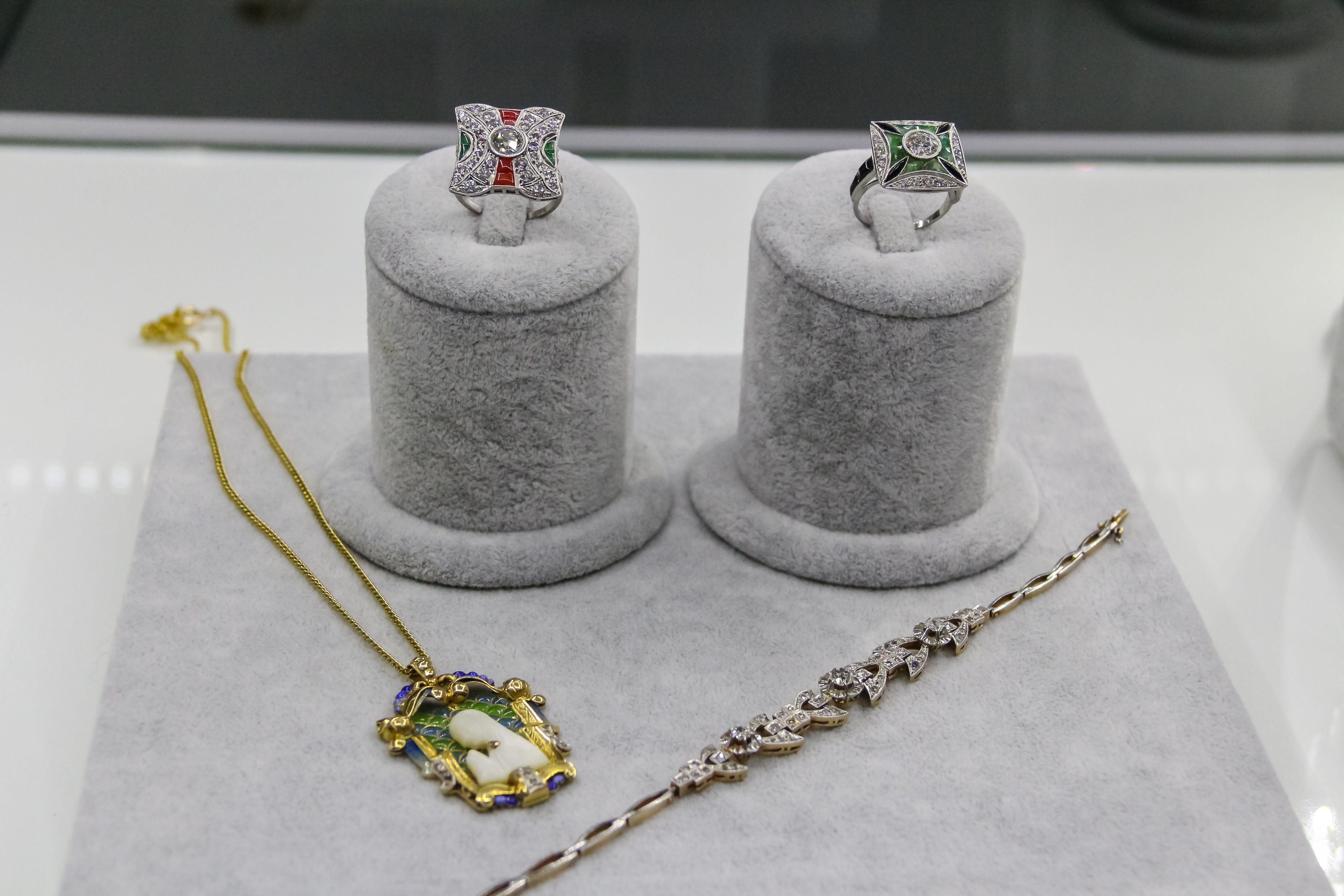 Piezas joyería S & B joyas y relojes