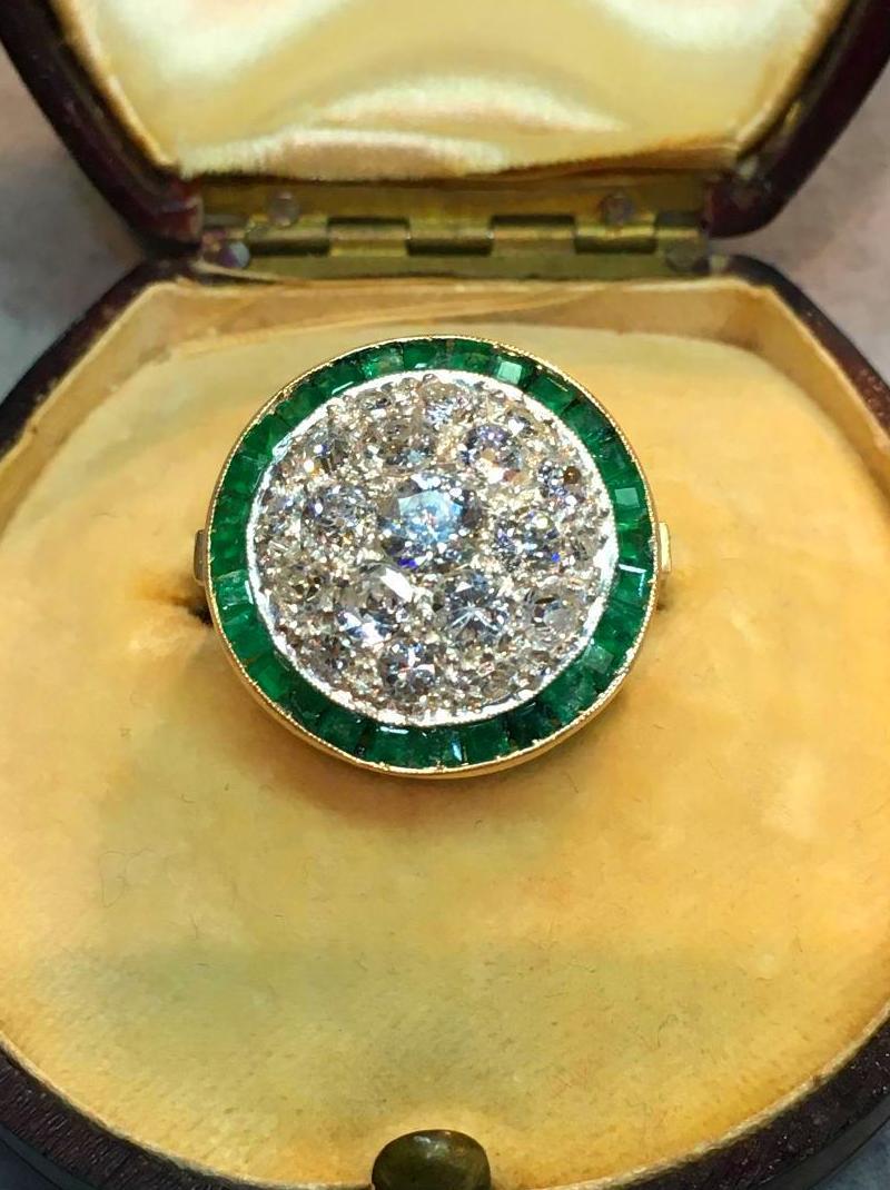anillo ojo de perdiz en pave de diamantes y esmeraldas oro 18k