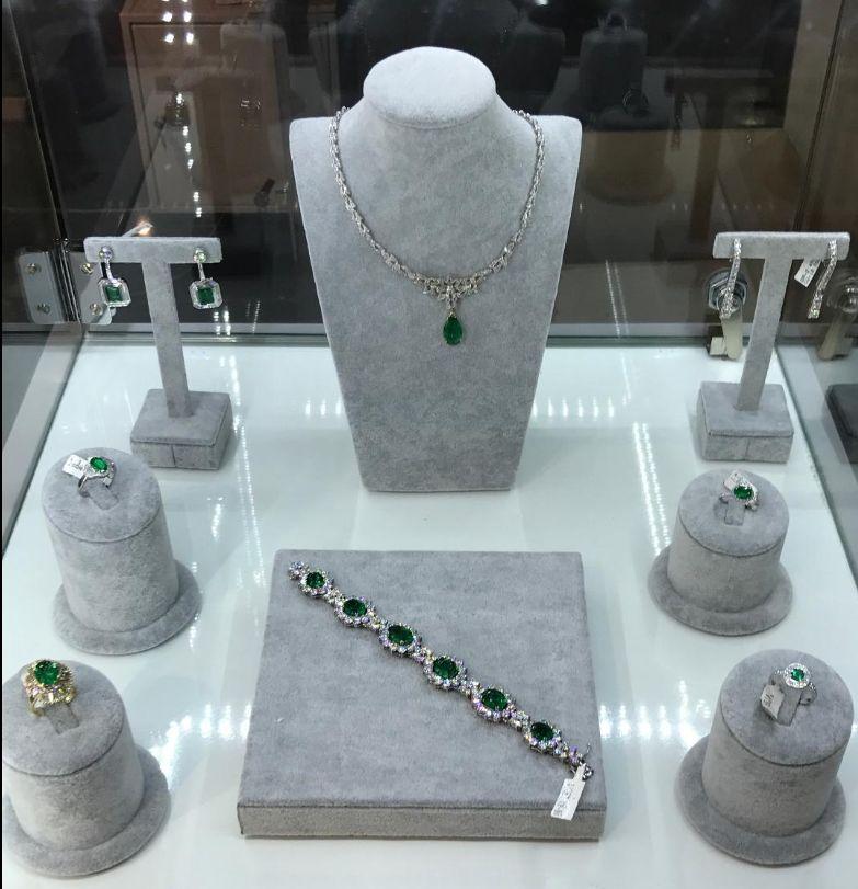 Detalles S & B joyas y relojes