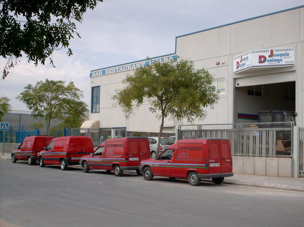 Instalaciones y Vehículos.: Servicios y Maquinaria de Joaquín y Domingo S.L