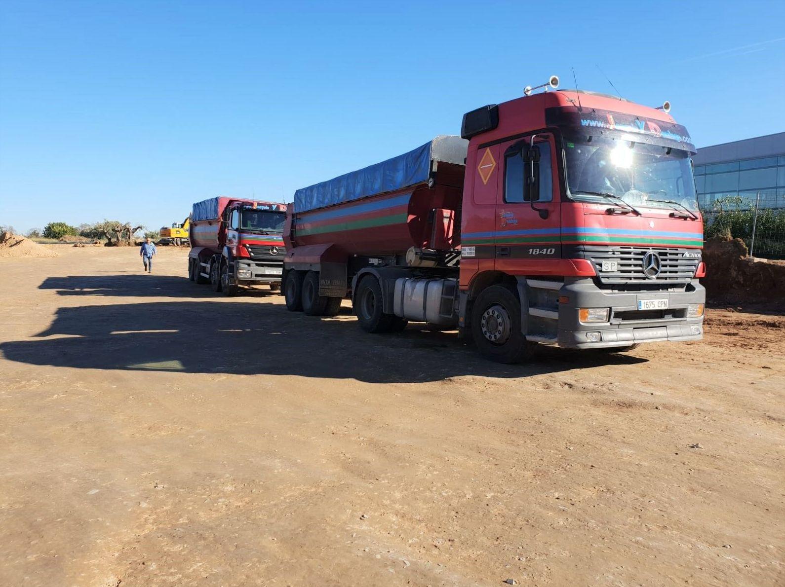 Transporte.: Servicios y Maquinaria de Joaquín y Domingo S.L