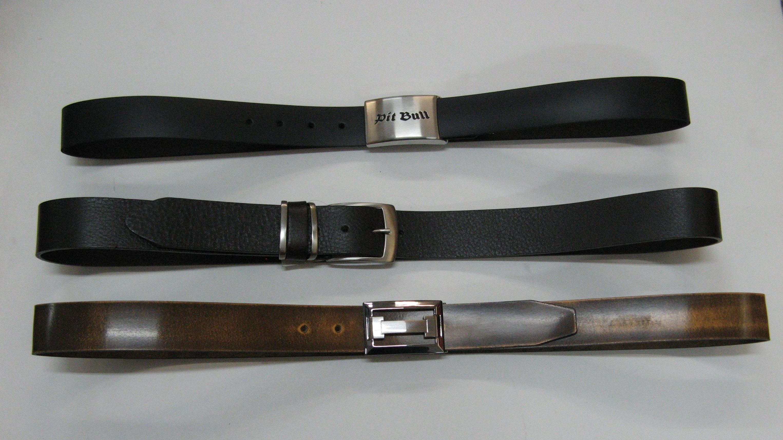 Cinturón en cuero para caballero con hebilla o chapón