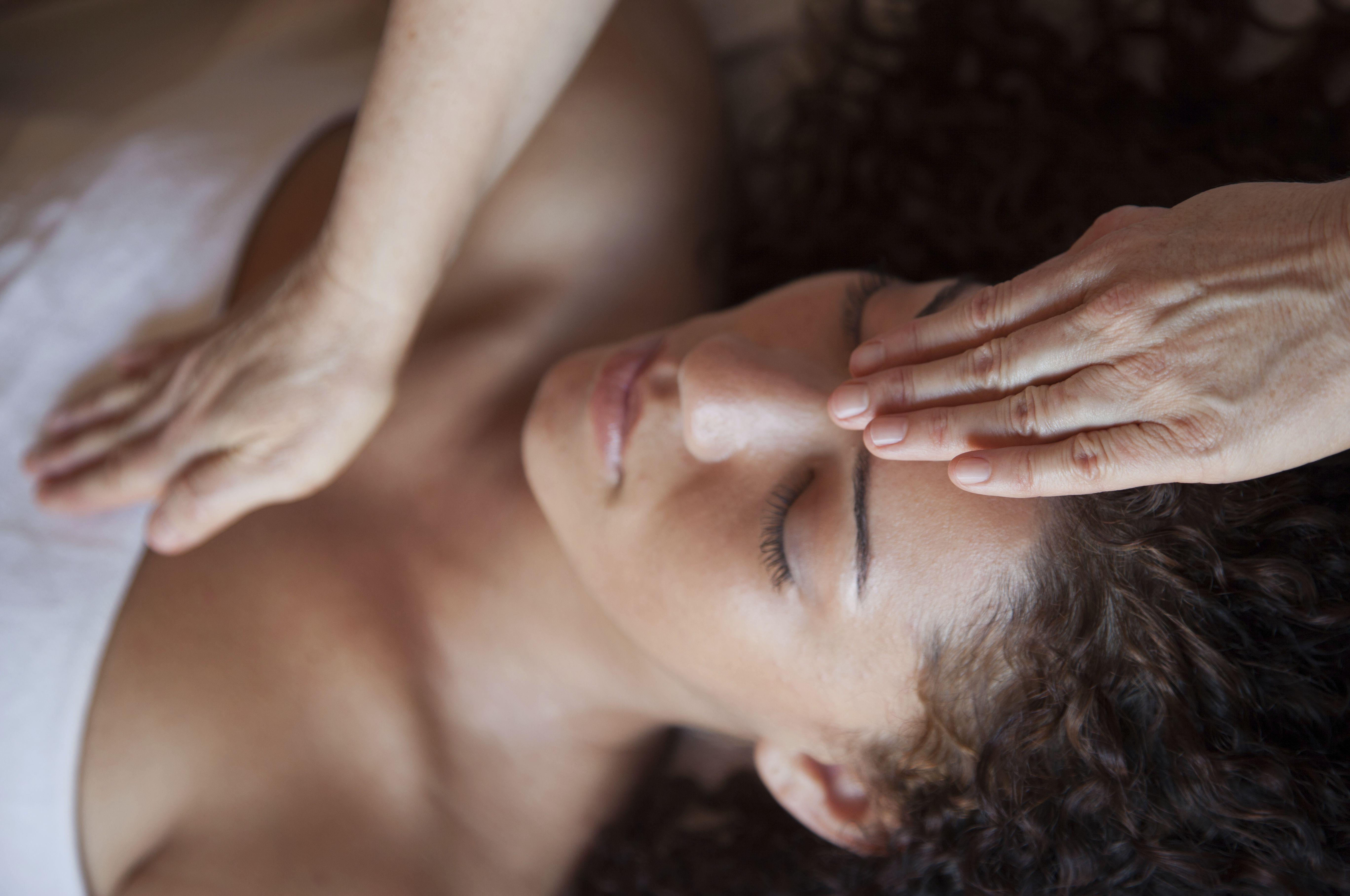 Masajes terapéuticos: Servicios de Centro de Masaje Illarramendi