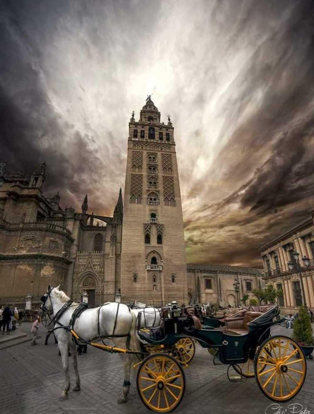 Precioso cielo en Sevilla