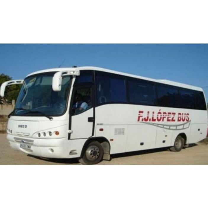Autocares para excursiones: Servicios de F.J. López Bus