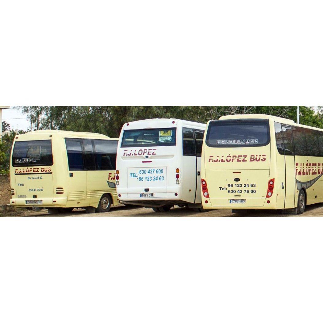 Autocares para bodas: Servicios de F.J. López Bus
