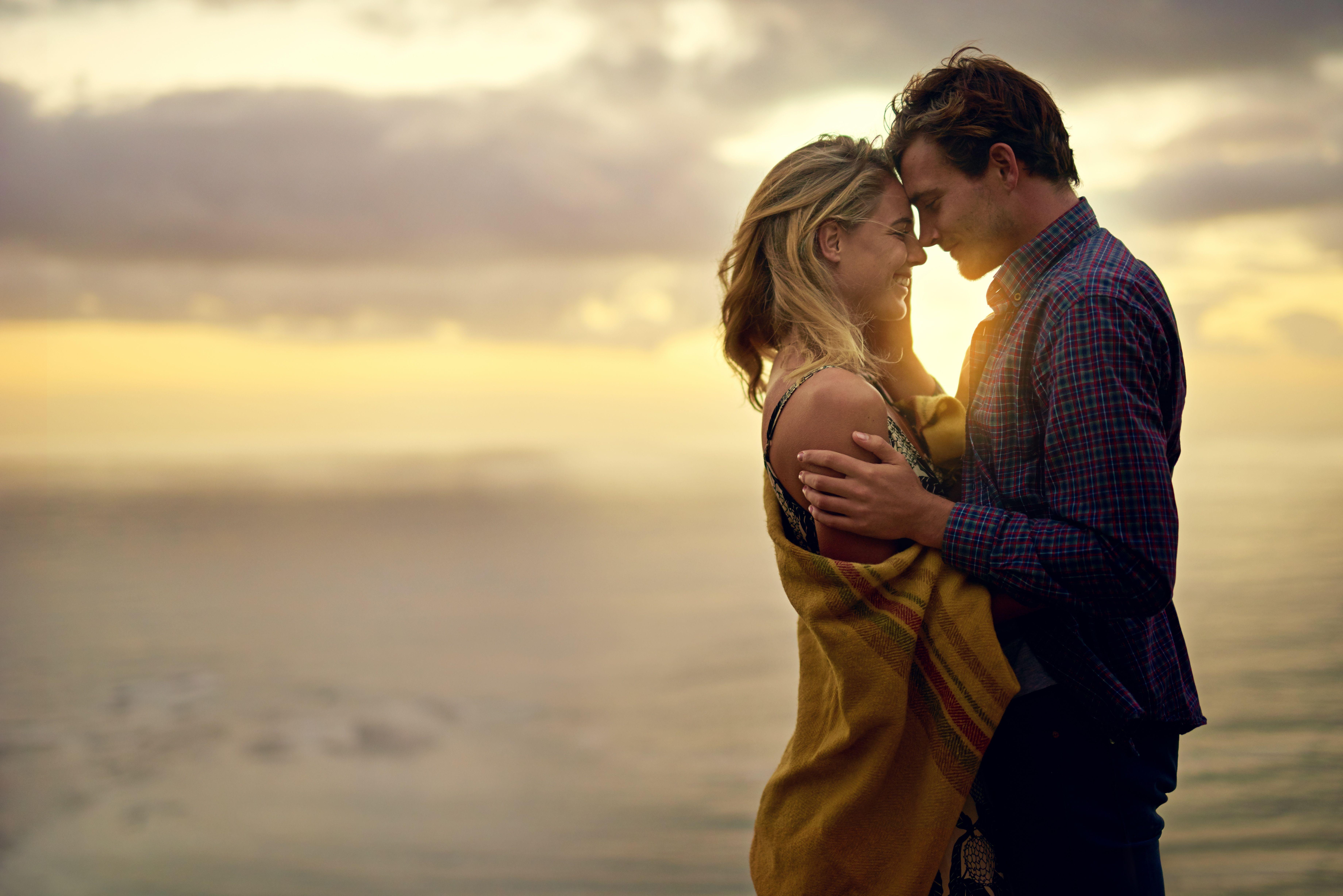 Uniones de pareja: Amarres de amor de Vidente Chalana y Yesenia