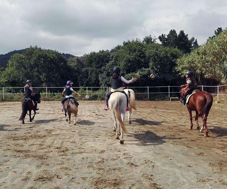 Juegos a caballo en El Maresme