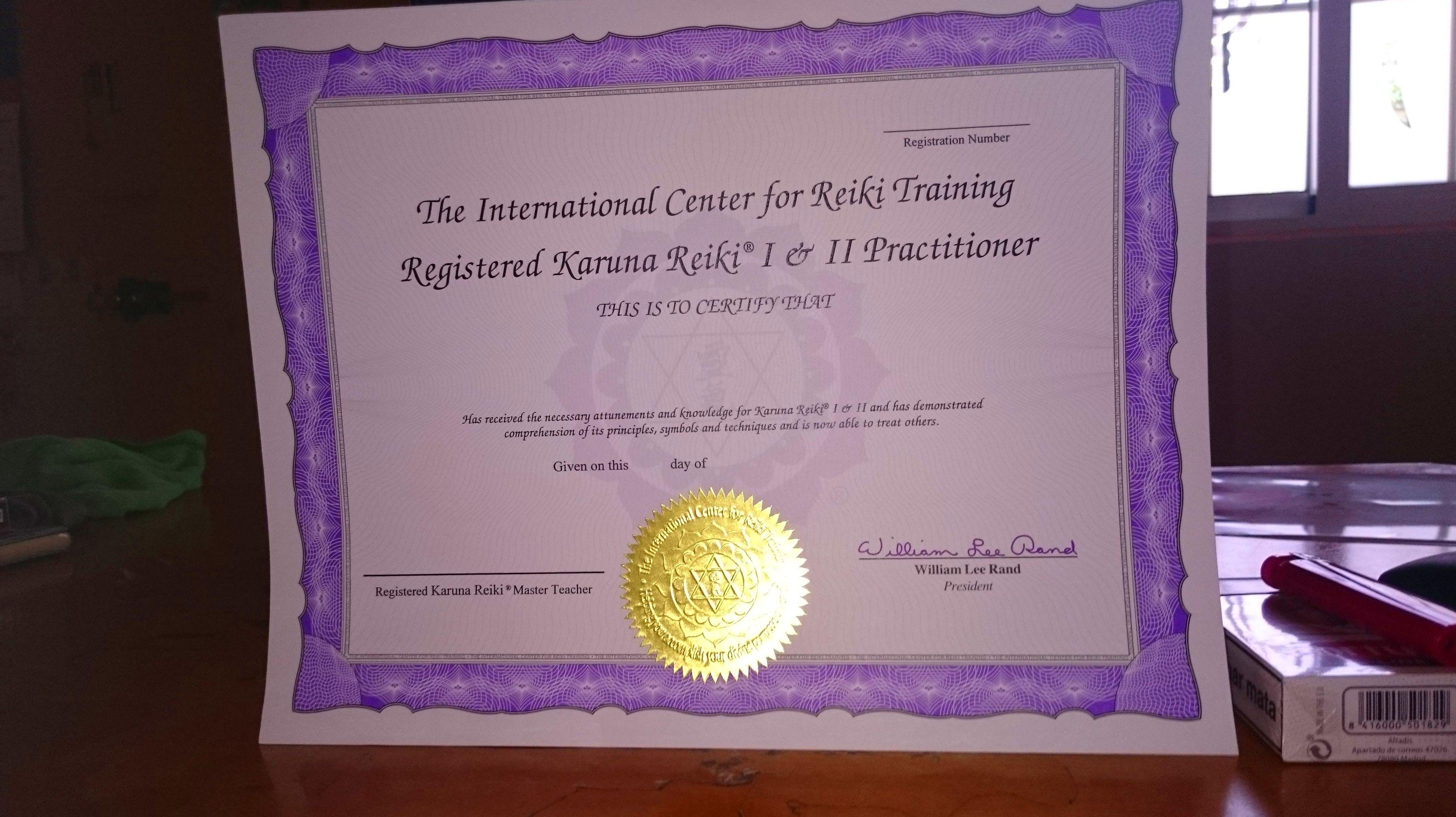 Diplomas The International Center for Reiki Training originales de Karuna- Reiki