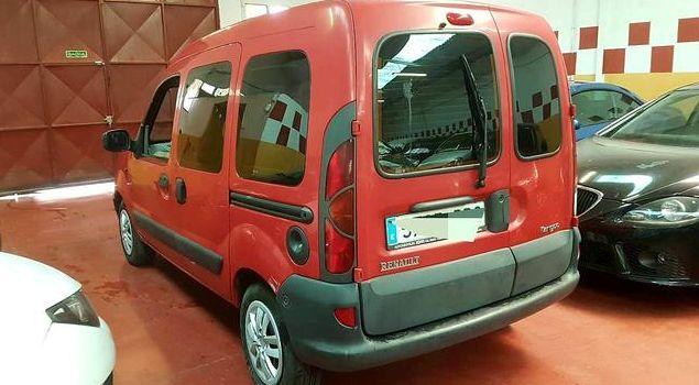 Compraventa de coches en Arganda del Rey: Renault kangoo 1. 2 gasolina 60cv