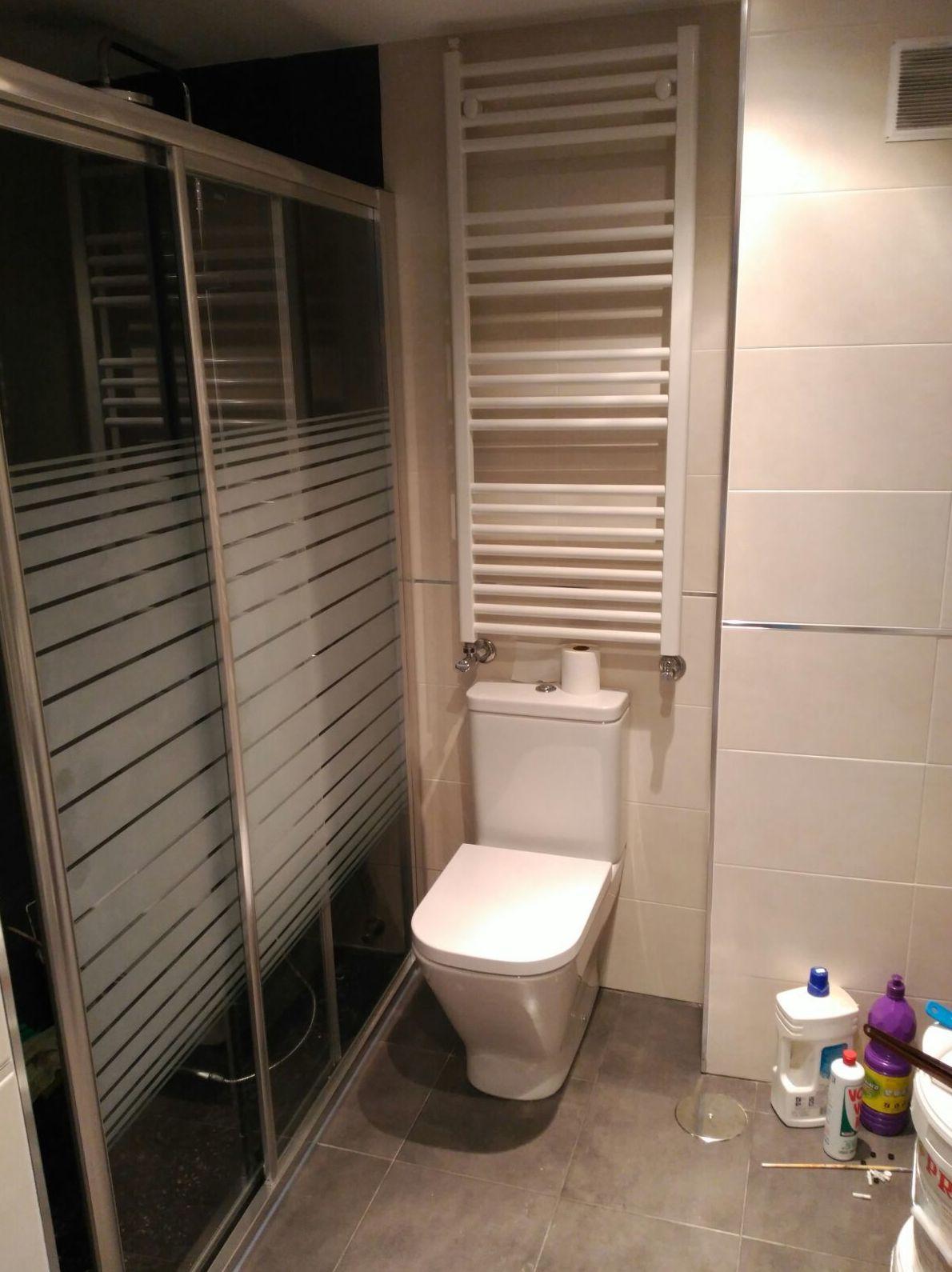 Mamparas de baño: Productos y servicios de Metálicas Torca