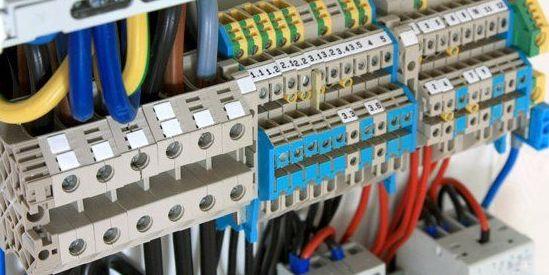 Instalaciones y reparaciones eléctrica en general: Servicios de Talleres Tomas Pascual