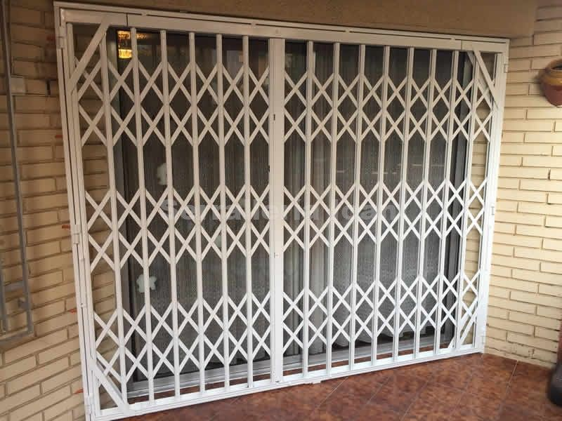 Puerta de ballesta:  de Serrallería Ioan
