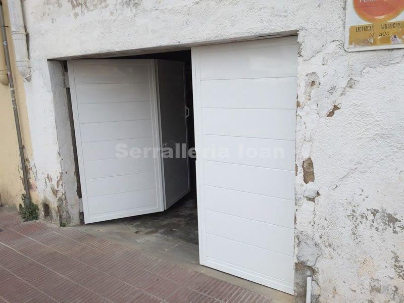 Puertas peatonales:  de Serrallería Ioan