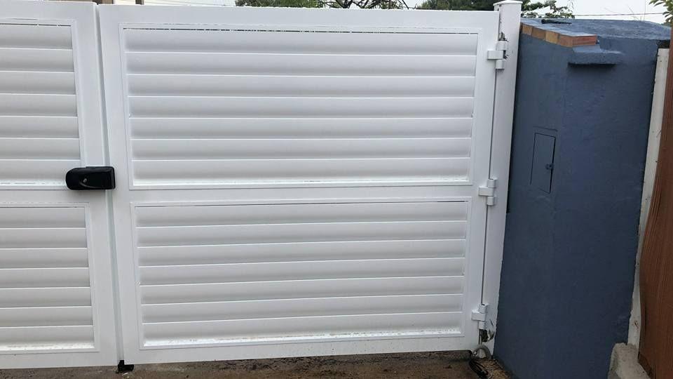 Puerta de garaje con diferentes tipos de apertura en Vila-Real